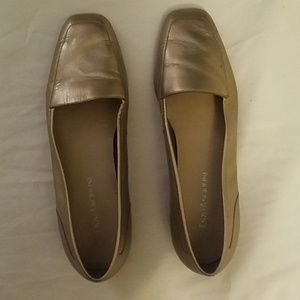 Size 6 women shoes. Enzo Angiolini